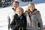 Fotosessie met de koninklijke familie in Lech /// Photoshoot with the Dutch royal family in Lech .<br /> <br /> Op de foto / On the photo: Prinses Maxima, Prins Willem Alexander met Koningin Beatrix /////  Princess Maxima, Crown Prince Willem Alexander with Queen Beatrix