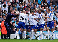 Photo. Glyn Thomas. Digitalsport<br /> Manchester City v Everton. <br /> Barclays Premiership. 11/09/2004.<br /> Everton manager David Moyes (L) celebrates with his teammates shortly before goalscorer Tim Cahill (#17) was sent off for over-celebrating.