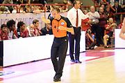 DESCRIZIONE : Pistoia campionato serie A 2013/14 Giorgio Tesi Group Pistoia Vanoli Cremona <br /> GIOCATORE : <br /> CATEGORIA : arbitro referee<br /> SQUADRA : Giorgio Tesi Group Pistoia<br /> EVENTO : Campionato serie A 2013/14<br /> GARA : Giorgio Tesi Group Pistoia Vanoli Cremona <br /> DATA : 10/11/2013<br /> SPORT : Pallacanestro <br /> AUTORE : Agenzia Ciamillo-Castoria/GiulioCiamillo<br /> Galleria : Lega Basket A 2013-2014  <br /> Fotonotizia : Pistoia campionato serie A 2013/14 Giorgio Tesi Group Pistoia Vanoli Cremona<br /> Predefinita :