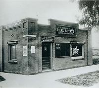 1909 C.E. Toberman's 2nd office on SW corner of Hollywood Blvd at McCadden Pl.