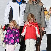 AUD/Lech/20110219 - Fotosessie Nederlandse Koninklijke Familie 2011 op wintersport in Lech, Willem Alexander en partner Maxima, kinderen Alexia, Ariane