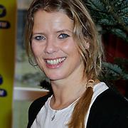 NLD/Amsterdam/20111208- Sky Radio Christmas tree for Charity, babette en zus Anne van Veen