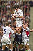 Twickenham. Surrey. UK England vs New Zealand, Autumn Internationals.<br /> Martin JOHNSON lifted by left, Richard HILL and right Lawrence DALLAGLIO.<br /> 09/11/2002<br /> International Rugby England vs New Zealand [Mandatory Credit Peter SPURRIER/Intersport Images]