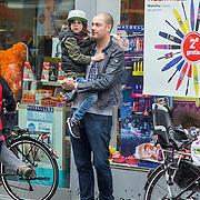 NLD/Amsterdam/20140406 - Lange Frans Frederiks en zoon Willem