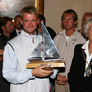 La course des Falaises 2004. Cowes. Réception au Royal London Yacht Club.