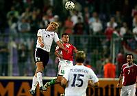 Fotball , 02. september 2006 , EM-kvalifisering , Ungarn-Norge 1-4 ,  <br /> Norway - Hungary<br /> Steffen Iversen , Norge og Zoltan Kiss , Ungarn
