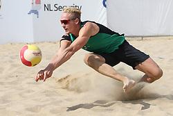 20160724 NED: NK Beachvolleybal 2016, Scheveningen <br />Sven Vismans<br />©2016-FotoHoogendoorn.nl / Pim Waslander