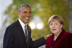 November 17, 2016 - Berlin, Germany - Bundeskanzlerin Angela Merkel empfaengt den US-Praesidenten Barack Obama am 17.11.2016 im Bundeskanzleramt. Mit einem Kuss auf die Wange haben sich der scheidende US-Praesident Barack Obama und Bundeskanzlerin Angela Merkel begruesst. | German Chancellor Angela Merkel welcomes the US President Barack Obama on 17/11/2016 at the Federal Chancellery. With a kiss on the cheek, the outgoing US President Barack Obama and Chancellor Angela Merkel have welcomed..Credit: Stocki/face to face (Credit Image: © face to face via ZUMA Press)