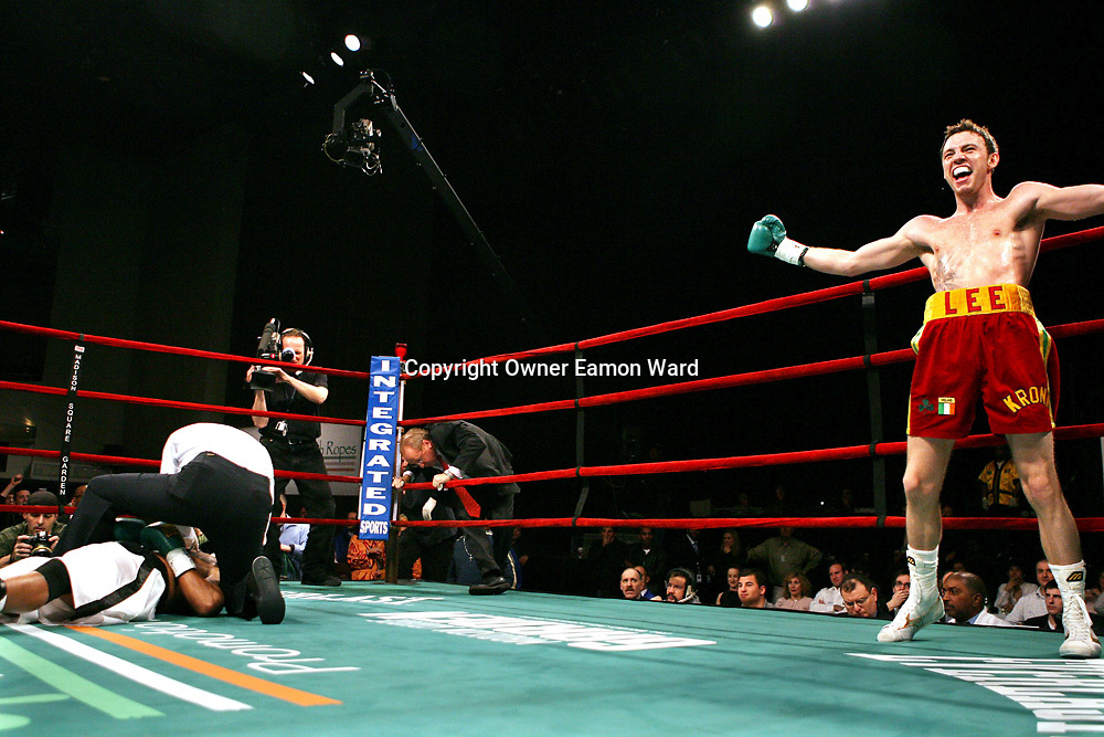 Irish Boxer Andy Lee knocks out his opponent in the opening seconds of his fight at Madison Sqaure Garden,New York on the night before St Patricks Day...Photograph by Eamon Ward