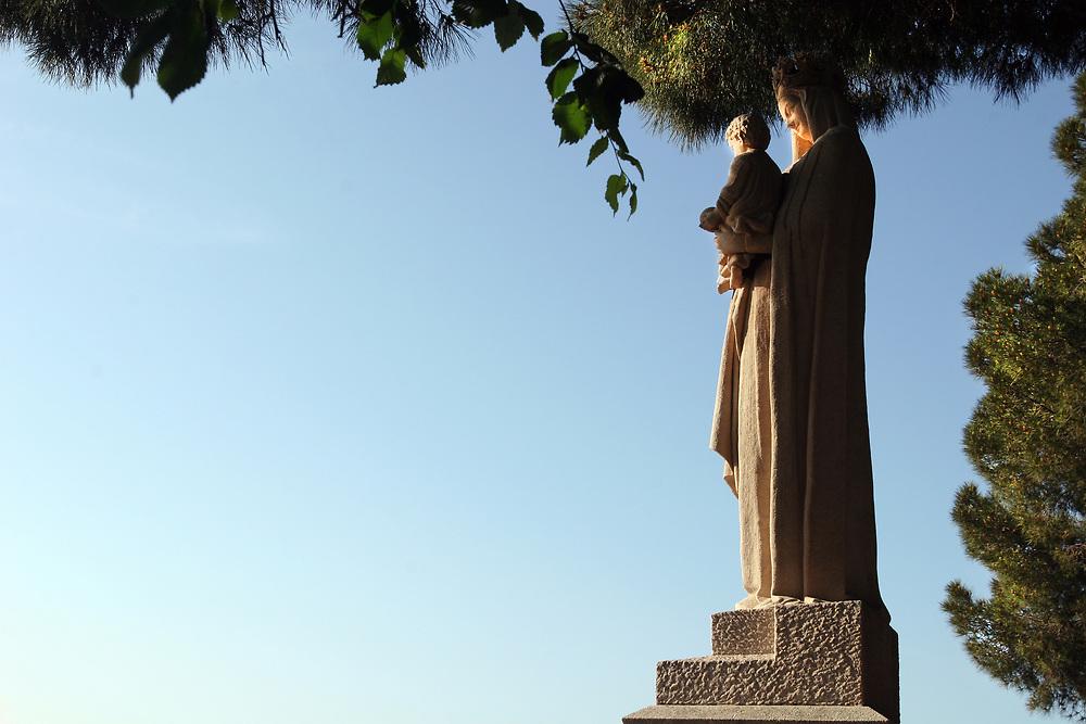 Monument à la Vierge, Cannes France