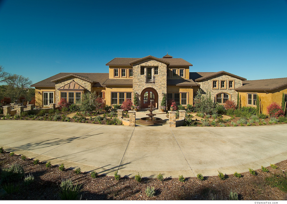 Residential Home by Bloodgood Sharpe Buster Architects in Eldorado Hills, CA