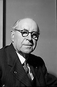 19/12/1952<br /> 12/19/1952<br /> 19 December 1952<br /> Pádraig Ó Siochfhradha, Irish author and member of Seanad Éireann. he used the pen name An Seabhac and his best known work was the book Jimín Mháire Thaidhg, published in 1919.