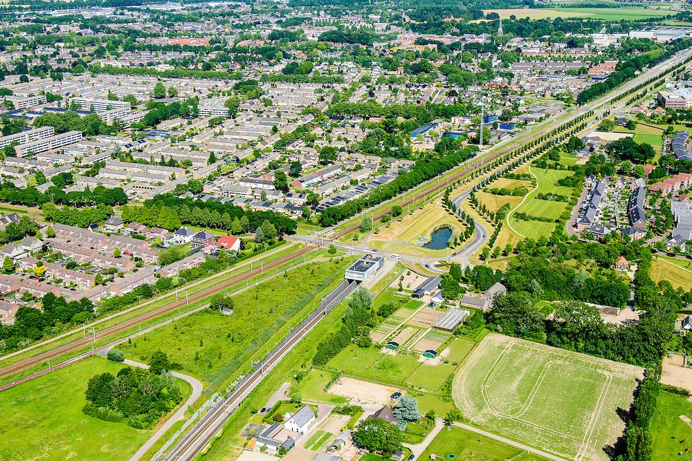 Nederland, Gelderland, Zevenaar, 09-06-2016; ingang van tunnel van de Betuweroute ter hoogte van het centrum van Zevenaar. De Betuweroute vervolgt richting Duitsland onder de grond, parallel aan de gewone spoorlijn Arnhem - Emmerich.<br /> Entrance tunnel of the Betuweroute freight railway, center of Zevenaar. The Betuweroute continues towards Germany under the ground, parallel to the regular railway Arnhem - Emmerich.<br /> <br /> luchtfoto (toeslag op standard tarieven);<br /> aerial photo (additional fee required);<br /> copyright foto/photo Siebe Swart