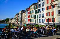 France, Pyrénées-Atlantiques (64), Bayonne, le quai Galuperie sur la Nive // France, Pyrénées-Atlantiques (64), Bayonne, the Galuperie quay on the Nive
