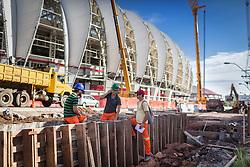 Obras de mobilidade urbana próximo ao Beira Rio em 31 de fevereiro de 2014. O Estádio Beira Rio, que receberá jogos da Copa do Mundo de Futebol 2014, tem mais 97% da sua reforma concluída e re-inauguração agendada para 04 de abril de 2014. FOTO: Jefferson Bernardes/ Agência Preview