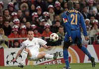 Fotball<br /> Champions League 2004/05<br /> Real Madrid v Juventus<br /> 22. februar 2005<br /> Foto: Digitalsport<br /> NORWAY ONLY<br /> MICHAEL OWEN (REA) / LILIAN THURAM (JUV)