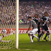 Gum (3) moves in to score his sides first goal during the Fluminense FC V CR Vasco da Gama Futebol Brasileirao League match at the Maracana, Jornalista Mário Filho Stadium,  The match ended in a 2-2 draw. Rio de Janeiro,  Brazil. 22nd August 2010. Photo Tim Clayton.