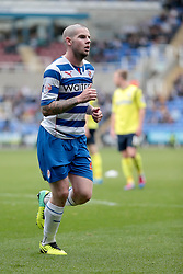 Reading's Danny Guthrie - Photo mandatory by-line: Nigel Pitts-Drake/JMP - Tel: Mobile: 07966 386802 28/09/2013 - SPORT - FOOTBALL - Madejski Stadium - Reading - Reading V Birmingham City - Sky Bet Championship