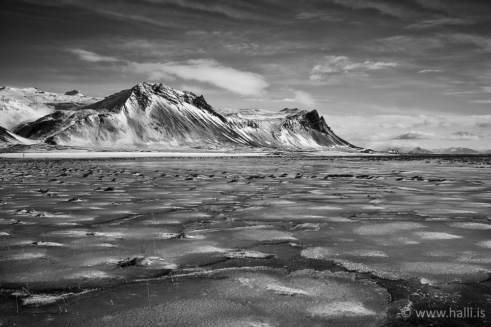 Mountain scenery at Snaefellsnes, west part of Iceland - Fjallasýn á Snæfellsnesi