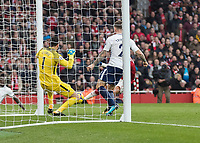 Football - 2017 / 2018 Premier League - Arsenal vs. Tottenham Hotspur<br /> <br /> Alexis Sanchez (Arsenal FC) (Hidden) scores Arsenals second goal from a tight angle at The Emirates.<br /> <br /> COLORSPORT/DANIEL BEARHAM
