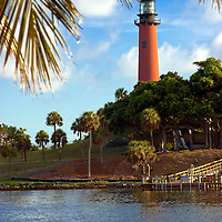 NO PROPERTY RELEASE / Historice lighthouse marking the Jupiter Inlet located at the entrance to the Loxahatchee River.