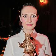 NLD/Amsterdam/20110328 - Uitreking Rembrandt Awards 2011, Carice van Houten met haar Rembrandt award