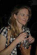 RACHEL WHETSTONE, Rachel Johnson celebratespublication of ' Notting Hell'. Communal Gardens. Ladbroke Grove. London. 4 September 2006. .ONE TIME USE ONLY - DO NOT ARCHIVE  © Copyright Photograph by Dafydd Jones 66 Stockwell Park Rd. London SW9 0DA Tel 020 7733 0108 www.dafjones.com