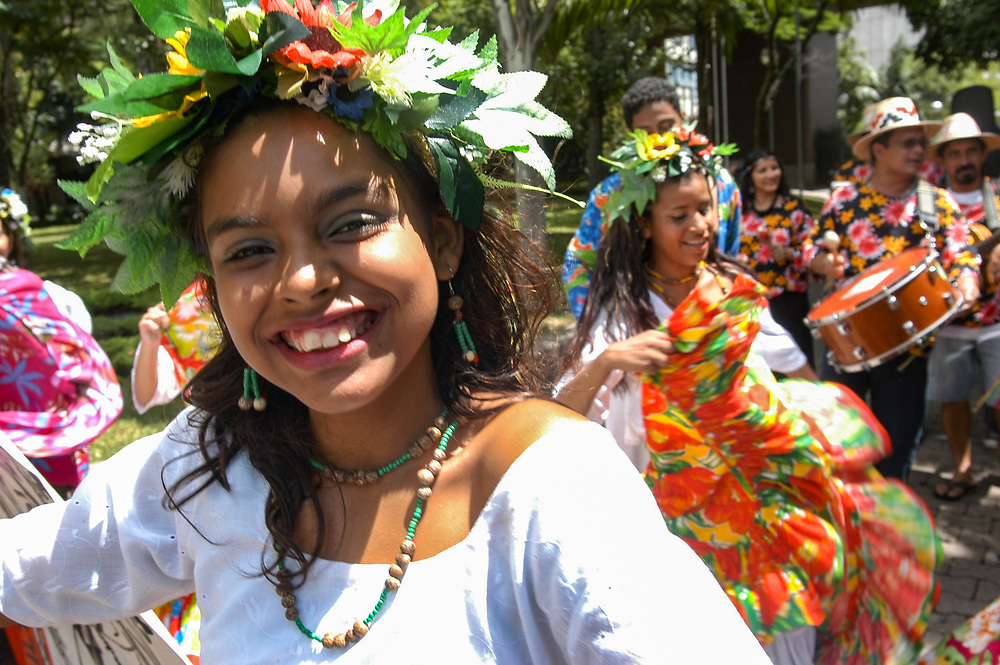 A group of dancers and singers in Porto Alegre play Samba
