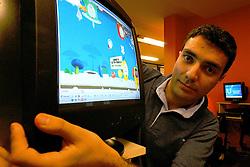 O empresário André Penha, sócio da TecToy Digital. Fanático por games, ele fundou uma empresa com amigos para fazer joguinhos para celular, que foi comprada pela TecToy. Hoje, sua empresa está dobrando de tamanho e exporta jogos para diversos países e as maiores empresas do mundo. FOTO: Itamar Aguiar / Preview.com