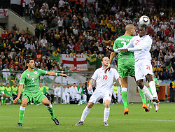 18.01.2010, Green Point Stadium, Cape Town, RSA, FIFA WM 2010, England (ENG) vs Algeria (ALG), im Bild Emile Heskey of England climbs for the ball as Wayne Rooney of England looks on. EXPA Pictures © 2010, PhotoCredit: EXPA/ IPS/ Marc Atkins / SPORTIDA PHOTO AGENCY