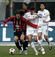 Milano 12-12-2004<br /> <br /> Campionato di calcio Serie A 2004-05<br /> <br /> Milan Fiorentina<br /> <br /> nella  foto Milan Andrea Pirlo (sx) and Fiorentina Tomas Ujfalusi<br /> <br /> Foto Snapshot / Graffiti