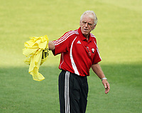 Photo: Chris Ratcliffe.<br />Trinidad & Tobago training session. FIFA World Cup 2006. 14/06/2006.<br />Leo Beenhakker, coach of T&T in training.