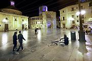 Spanje, Valencia, 3-11-2019  Beeld uit de oude, historische, binnenstad, stedscentrum van deze spaansen stad . Plein met de Real Basilica . Placa de la mare de deu met de kathedraal rechts .Foto: Flip Franssen