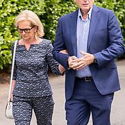 NLD/Bilthoven/20170706 - Uitvaart Ton de Leeuwe, ex partner Anita Meyer, Mario van der Ende en partner Els Rietman