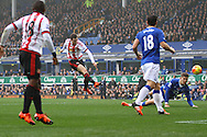Adam Johnson of Sunderland shoots at goal but sees his effort saved. Barclays Premier League match, Everton v Sunderland at Goodison Park in Liverpool on Sunday 1st November 2015.<br /> pic by Chris Stading, Andrew Orchard sports photography.