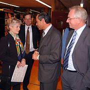 Minister Maria van der Hoeven spreekt op CDA bijeenkomst Huizen, burgemeester Jos Verdier, Jaap Kos