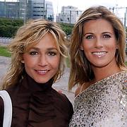 NLD/Amsterdam/20050719 - Winterpresentatie SBS 2005, Wendy van Dijk en Danielle Overgaag