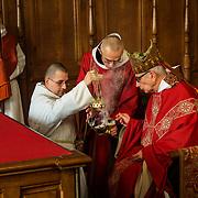 Imposition of incense by the abbot on a solemnity. 03-05-16<br /> Imposition de l'encens par le père abbé un jour de fête solennelle. 03-05-16