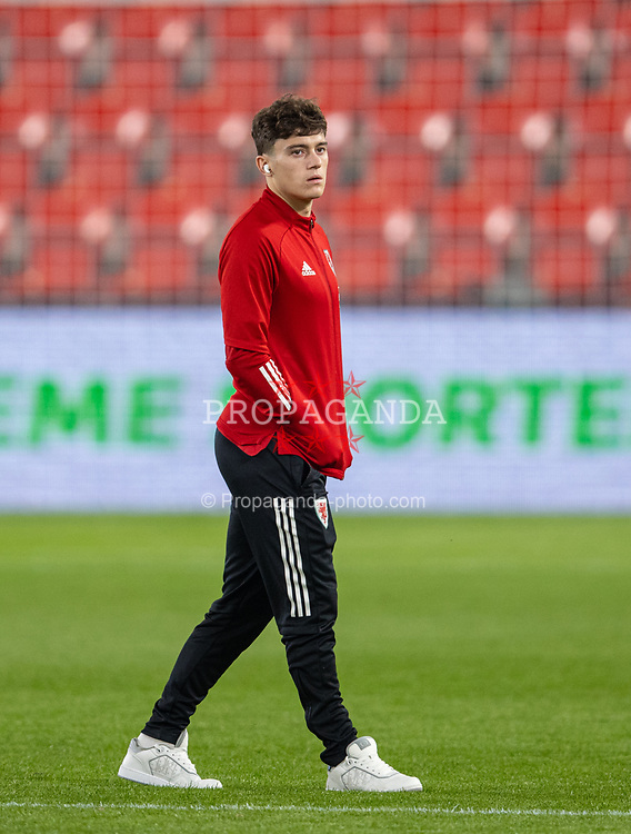 PRAGUE, CZECH REPUBLIC - Friday, October 8, 2021: Wales' Daniel James on the pitch before the FIFA World Cup Qatar 2022 Qualifying Group E match between Czech Republic and Wales at the Sinobo Stadium. The game ended in a 2-2 draw. (Pic by David Rawcliffe/Propaganda)