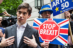 2019-06-19 Rory Stewart campaigns in Westminster