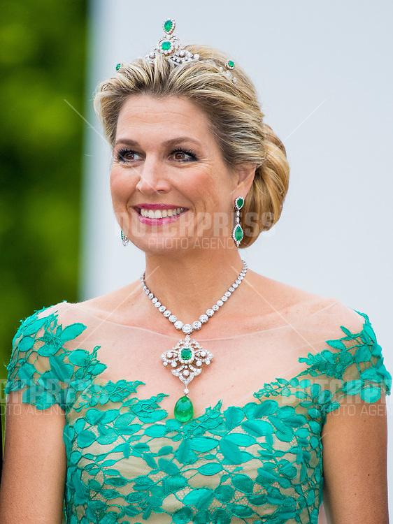 Koningin Maxima tijdens het Staatsbanket in het Presidentieel Paleis Aras an Uachtarain in Dublin, op dag 1 van het 3-daags staatsbezoek van het Nederlands Koningspaar aan Ierland.