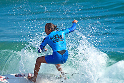 HUNTINGTON BEACH, California/USA (Saturday, August 7, 2010) Carissa Moore rips a wave on her way to defeat Sally Fitzgibbons of Australia to win  the Hurley US Open of Surfing. Photo: Eduardo E. Silva.