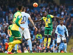 Alexander Tettey of Norwich City wins a header - Mandatory byline: Matt McNulty/JMP - 07966 386802 - 31/10/2015 - FOOTBALL - City of Manchester Stadium - Manchester, England - Manchester City v Norwich City - Barclays Premier League