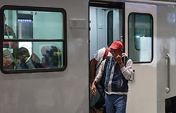 13.09.2015, Hauptbahnhof Salzburg, AUT, Fluechtlinge am Hauptbahnhof Salzburg auf ihrer Reise nach Deutschland, im Bild Flüchtlinge beim Umsteigen am Bahnsteig // Refugees changing trains on the station platform. According to reports thousands of refugees fleeing violence and persecution in their own countries continue to make their way toward the EU, just days before Euopean leaders are set to meet in Brussels to discuss a solution to the arrival of so many people, Main Train Station, Salzburg, Austria on 2015/09/13. EXPA Pictures © 2015, PhotoCredit: EXPA/ JFK