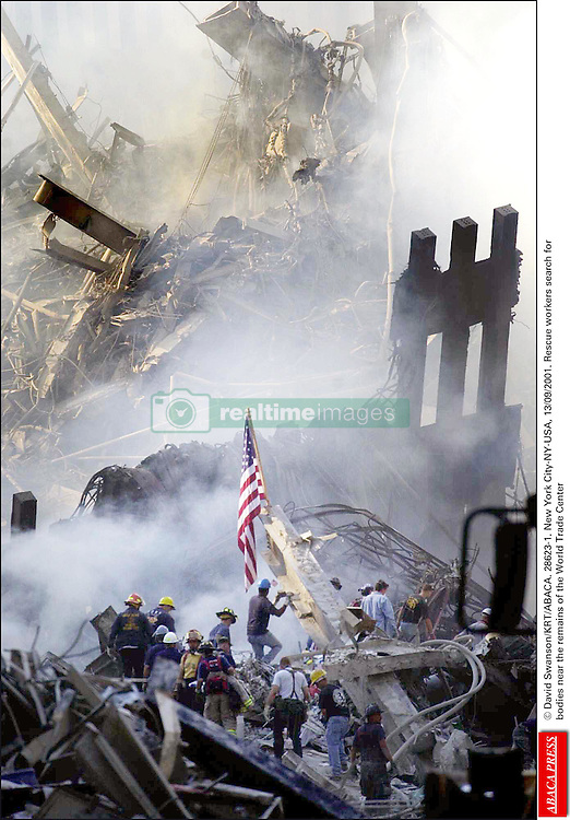 © David Swanson/KRT/ABACA. 28623-1. New York City-NY-USA, 13/09/2001. Rescue workers search for bodies near the remains of the World Trade Center    28623_01