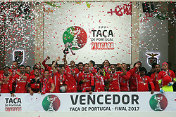 May 28, 2017 - Lisbon, Portugal - Benfica's Captain Brazilian defender Luisao raises the trophy after the Portugal Cup Final football match  SL Benfica vs Vitoria Guimaraes SC at Jamor stadium in Oeiras, outskirts of Lisbon, on May 28, 2017. Benfica won 2-1. Photo: Pedro Fiuza  (Credit Image: © Pedro Fiuza/NurPhoto via ZUMA Press)