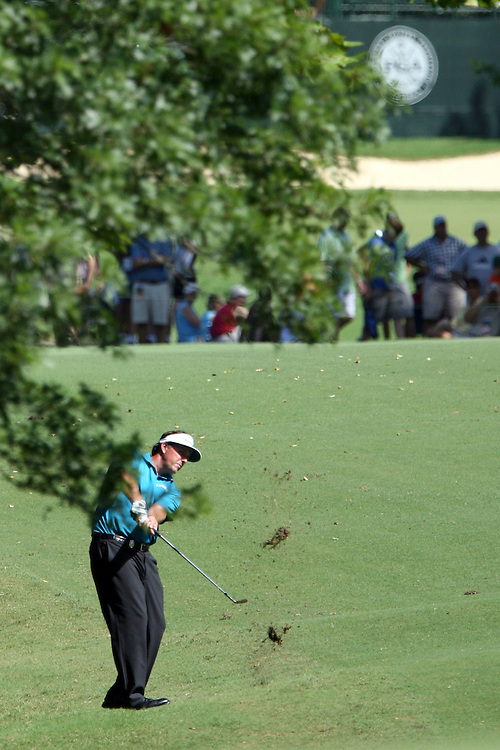10 August 2007: Phil Mickelson makes an approach shot to the 17th green during the second round of the 89th PGA Championship at Southern Hills Country Club in Tulsa, OK.