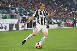 October 25, 2017 - Turin, Italy - Stephan Lichtsteiner (Juventus FC) during the Serie A football match between Juventus FC and S.P.A.L. 2013 on 25 October 2017 at Allianz Stadium in Turin, Italy. (Credit Image: © Massimiliano Ferraro/NurPhoto via ZUMA Press)