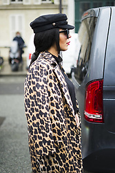 March 4, 2018 - Paris, France - A guest during Paris Fashion Week Womenswear Fall/Winter 2018/2019, on March 4, 2018 in Paris, France. (Credit Image: © Nataliya Petrova/NurPhoto via ZUMA Press)