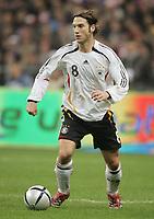 Fotball<br /> Frankrike v Tyskland 0-0<br /> 12.11.2005<br /> Foto: Witters/Digitalsport<br /> NORWAY ONLY<br /> <br /> Torsten Frings<br /> Laenderspiel Frankreich - Deutschland